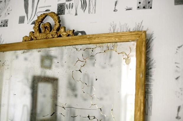 Décor do dia: papel de parede criativo e fácil na sala de jantar (Foto: reprodução)