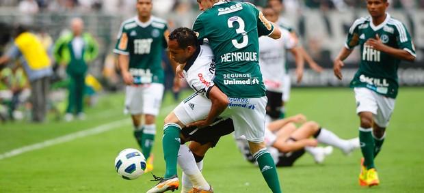 Henrique e Liedson, Corinthians x Palmeiras (Foto: Marcos Ribolli)