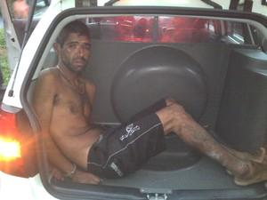 Homem foi preso após furtar bicicleta (Foto: Divulgação/Polícia Militar)
