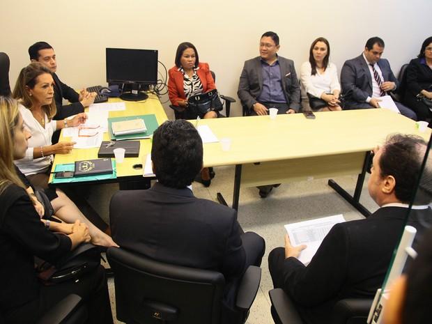 Defensores públicos, juízes e promotores de Justiça estiveram comçaram a debater medidas para o mutirão carcerário (Foto: Biné Morais/O Estado)