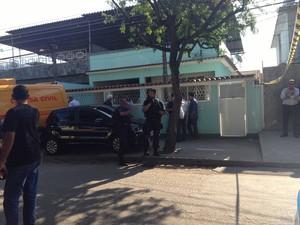 Delegada foi morta na Rua Lomas Valentinas, em Realengo (Foto: Fernanda Rouvenat/G1)