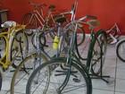 Professor coleciona bicicletas e exibe mais de 100 modelos em Passos, MG