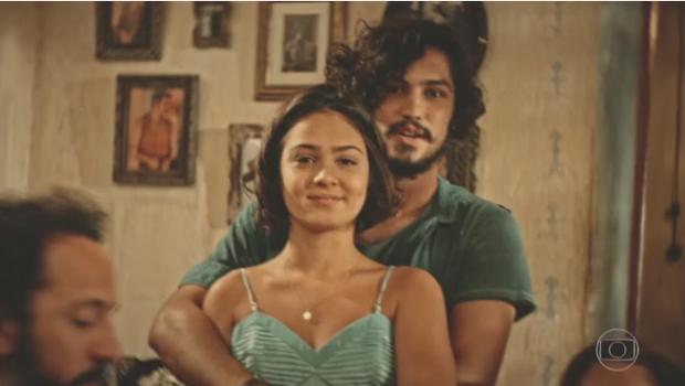 Giullia Buscacio e Gabriel Leone em cenada novela Velho Chico (Foto: Reprodução/Globo)