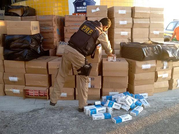 Mercadoria foi apreendida na BR-226, em Campo Redondo (Foto: Divulgação/Polícia Rodoviária Federal do RN)