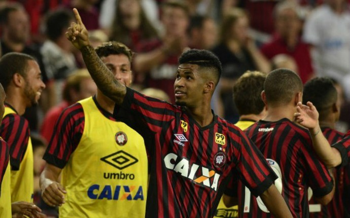 Ewandro Atlético-PR (Foto: Gustavo Oliveira/Site oficial Atlético-PR)