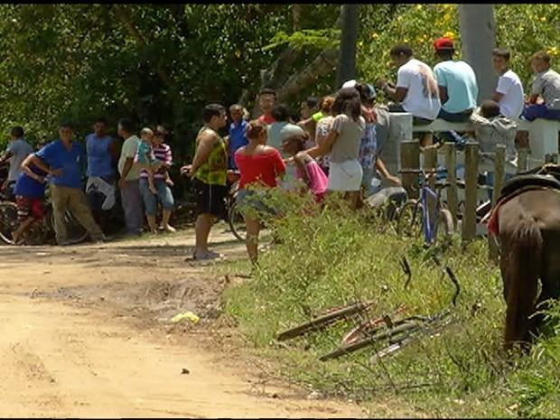 Moradores ficaram chocados com a cena (Foto: Reprodução / Inter TV)