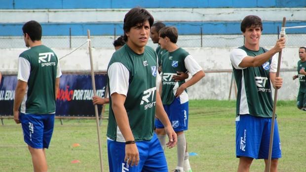 Samuel em treino do Taubaté (Foto: Arthur Costa)