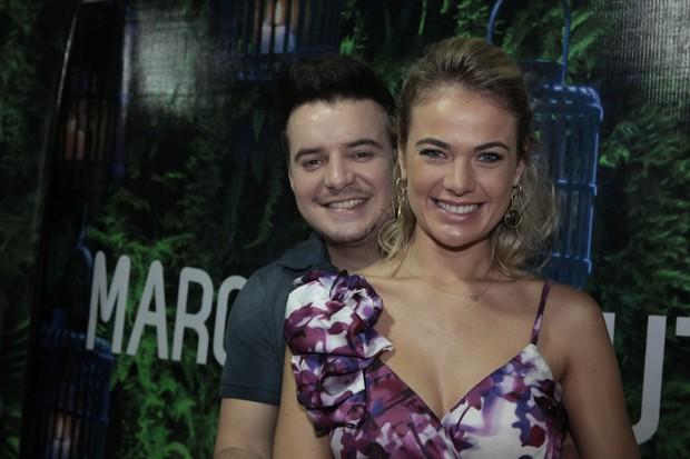 Marcos e Belutti (Foto: Isac Luz / EGO)