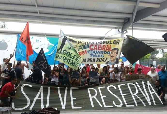 protesto contra campo de golfe (Foto: Lydia Gismondi)