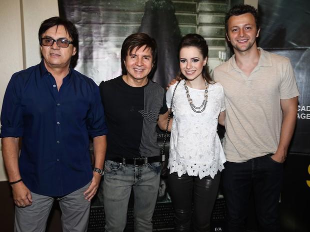 Chitãozinho, Xororó, Sandy e Lucas Lima em pré-estreia de filme em São Paulo (Foto: Manuela Scarpa/ Foto Rio News)