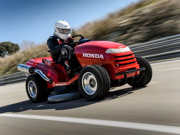 Honda Mean Mower foi eleito como o cortador de grama mais rápido do mundo (Foto: Divulgação)