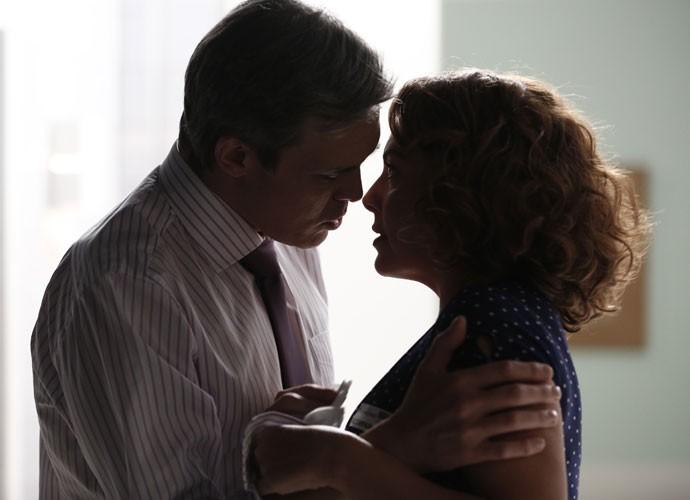 O casal fica cada vez mais próximo (Foto: Inácio Moraes/Gshow)