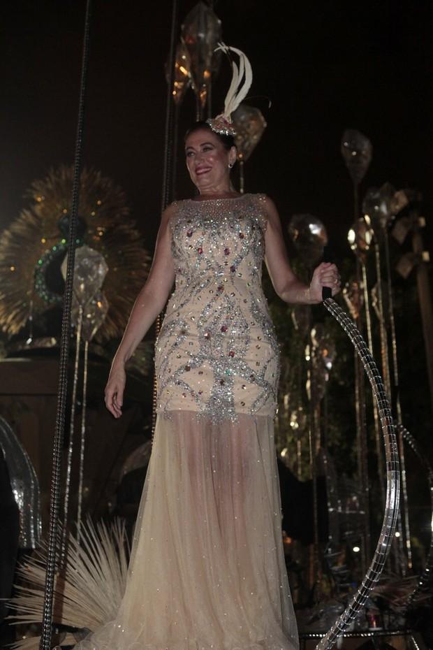 Lilia Cabral no Salgueiro (Foto: Isac Luz/EGO)