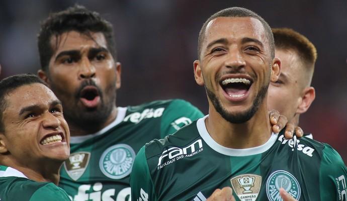 Vitor Hugo gol Palmeiras (Foto: Giuliano Gomes/Agência PR Press)