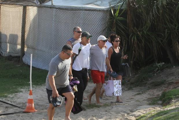 Bruce Springsteen na praia (Foto: Fabio Martins/ Foto Rio News)