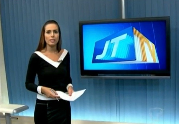 JT2 mostra manifesto realizado por servidores e alunos da rede estadual (Foto: Priscila Miranda/ TV Tapajós)