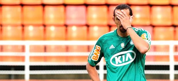 Barcos na partida do Palmeiras contra o Bragantino (Foto: Marcos Ribolli / Globoesporte.com)