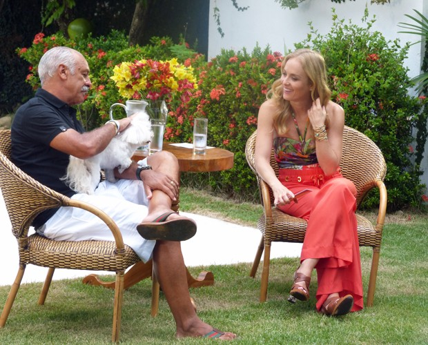 Angélica entrevista Junior (Foto: Estrelas/TV Globo)