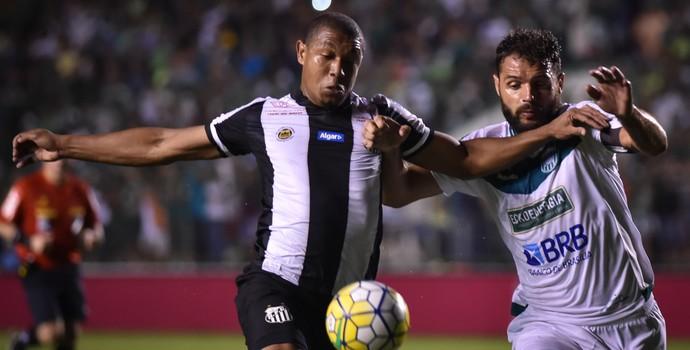 Rodrigão Gama x Santos (Foto: André Borges/Agif/Estadão Conteúdo)