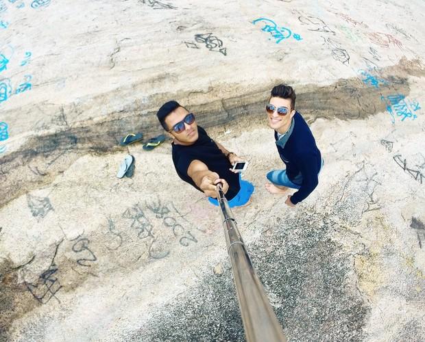 Momento selfie em cima da pedra (Foto: Arquivo pessoal)