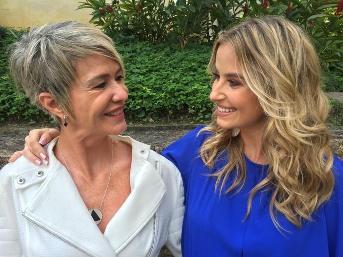 No olhar, o carinho entre Barbara e sua mãe (Foto: Guilherme Toscano / Gshow)