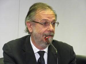 Miguel Rossetto, ministro da Secretaria-Geral da Presidência, falou à imprensa após encontro em SP (Foto: Darlan Alvarenga/G1)
