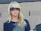 Juiz suspende carteira de motorista da mãe de Lindsay Lohan, diz site