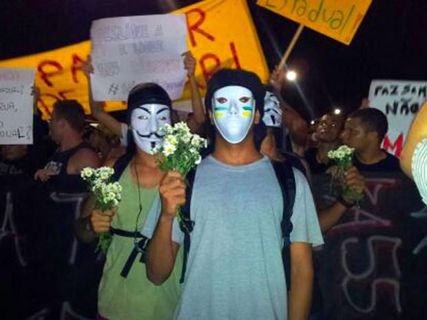 Manifestantes em Vitória. (Foto: Juliana Borges/ G1ES)