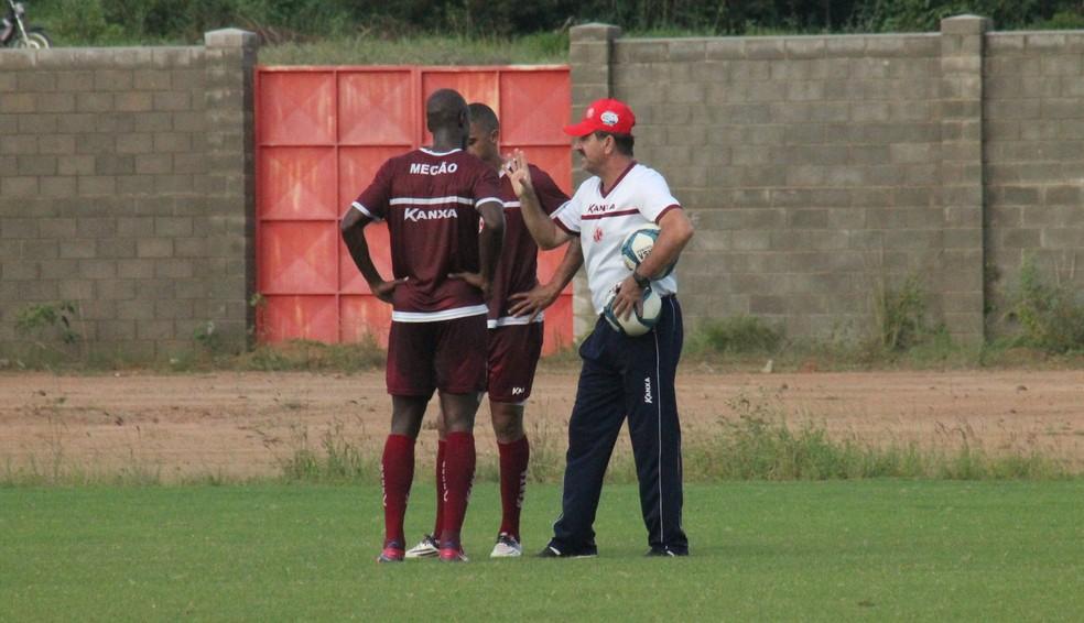 Leandro Campos corre contra o tempo para corrigir erros do América-RN antes do início da Série D (Foto: Canindé Pereira/ América FC)