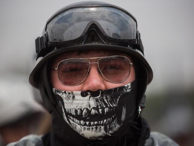 Motoqueiros se reúnem para celebrar o Harley Days, evento que atrai centenas de motociclistas fãs da marca Harley Davidson em São Paulo. Eles fizeram um passeio de moto pelas ruas da cidade, passando pela Av. Paulista (Foto: Victor Moriyama/G1)