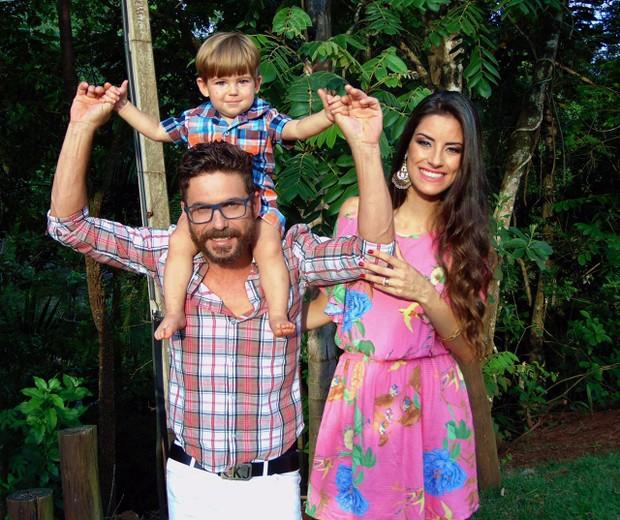 """Sertanejo Hudson comemora segunda gravidez da mulher, Thayra Machado, e filho Davi: Menina vai se chamar Helena"""", diz músico (Foto: Divulgação)"""