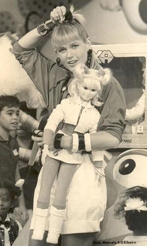 Xuxa posta foto com boneca e relembra infância (Foto: Divulgação / Xuxa Produções)