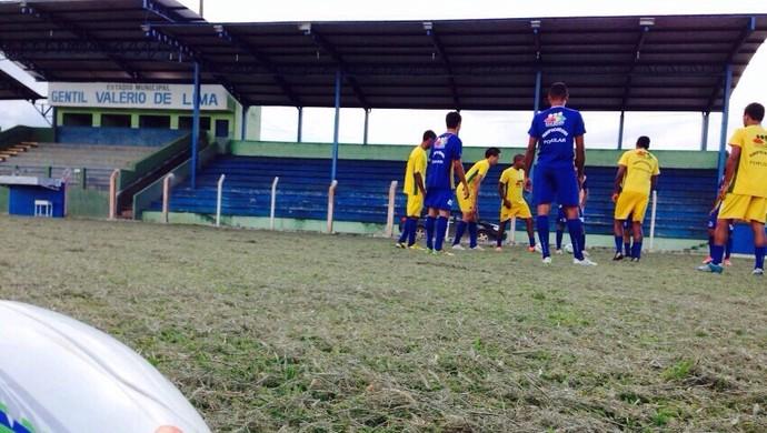 Novos jogadores foram apresentados ao time do Ariquemes (Foto: Antognione Rocha/Tv Ariquemes)