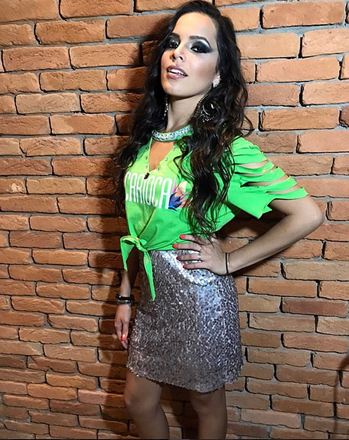 Mayla capricha na produção para voltar à Sapucaí (Foto: Arquivo Pessoal)