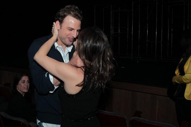 Cássio Reis e Fernanda Vasconcellos em estreia de peça na Zona Sul do Rio (Foto: Marcello Sá Barretto/ Ag. News)