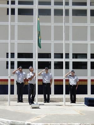 Policiais do Batalhão Escolar durante evento voltado a crianças da Escola Classe 40 do Sol Nascente, no Distrito Federal (Foto: Polícia Militar/Divulgação)