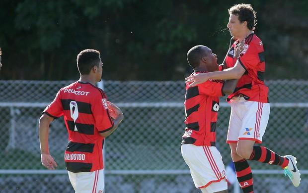 Samir comemoração Flamengo contra Friburguense (Foto: Marcelo Theobald / Agência O Globo)