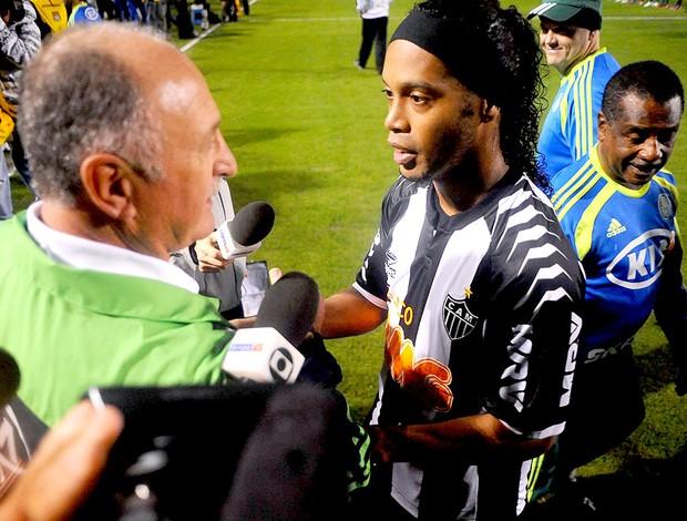 Ronaldinho Gaúcho e Felipão na partida do Palmeiras e Atlético-MG (Foto: Marcos Ribolli / Globoesporte.com)