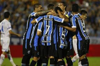 Grêmio supera