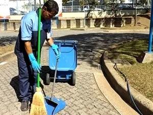 Auxiliar de limpeza (Foto: Marta Lanzoni)