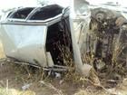 Jovem morre após capotamento na BR-242; 'não era habilitado', diz PM