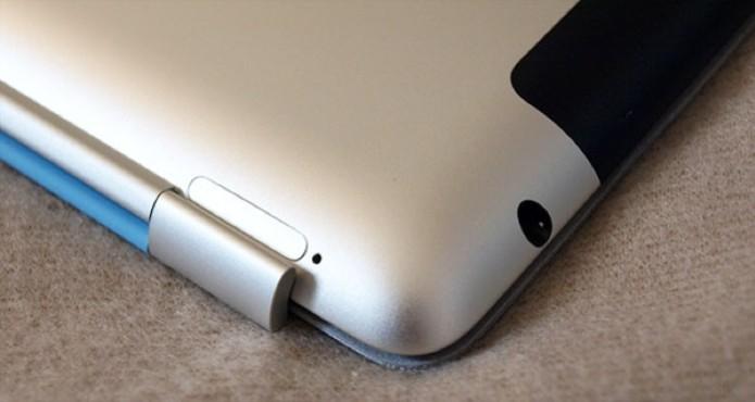 Detalhe com a entrada para fones de ouvido no iPad 2 (Foto: Alessandro Salvatori)