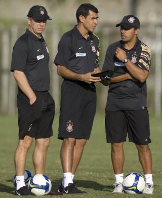 Mano Menezes Fábio Carille Sidnei Lobo 2009 Corinthians (Foto: Daniel Augusto Júnior / Ag. Corinthians)