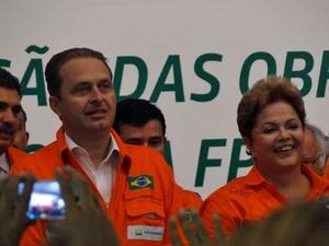 Campos e Dilma ficaram lado a lado durante encontro em Suape (Foto: Katherine Coutinho/G1)