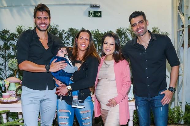Marcelo Bimbi, Rebeca Gusmão com o filho e Lissah com JP (Foto: Manuela Scarpa/Brazil News)
