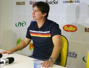 Técnico Ivan Baitello, do Mirassol (Foto: Marcos Lavezo/GloboEsporte.com)