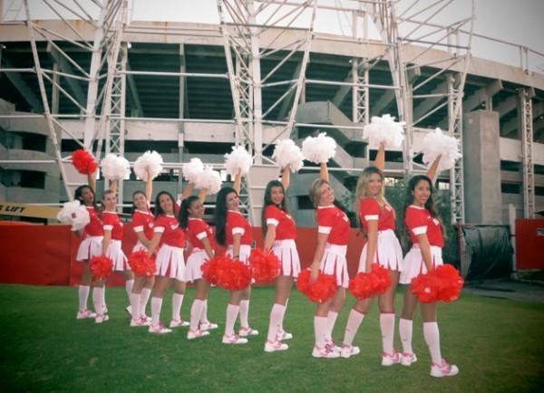 Cheerleaders coloradas se apresentarão neste domingo (Foto: Divulgação/Inter)