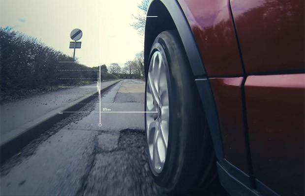 Jaguar Land Rover anuncia projeto para detectar, prever e compartilhar dados sobre buracos (Foto: Divulgação)