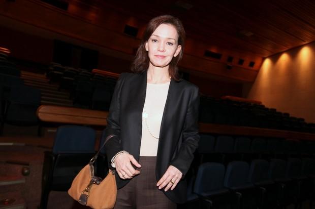 Julia Lemmertz prestigia a filha no teatro (Foto: Leo Franco / Agnews)