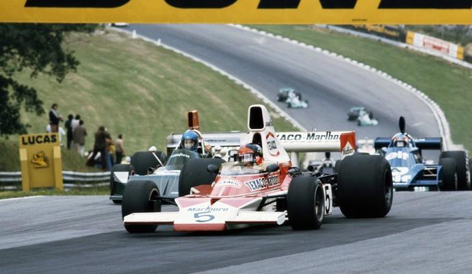 Em 1974, Emerson Fittipaldi conquistou seu segundo título mundial, desta vez com a McLaren (Foto: Getty Images)